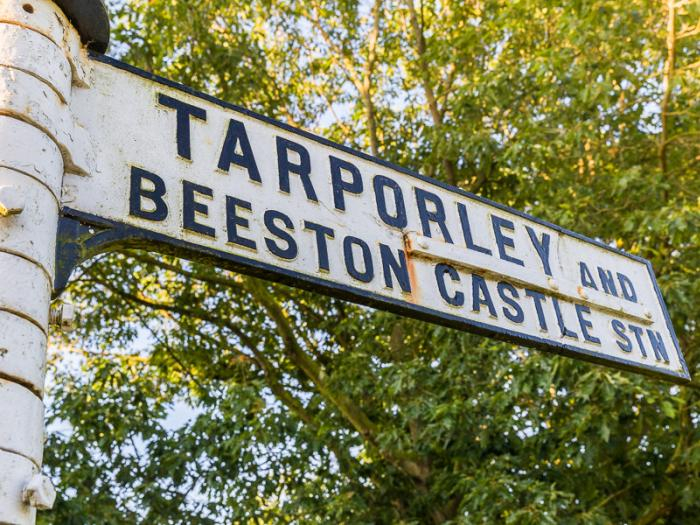 eaton-near-tarporley-traditional-road-sign2-M226603